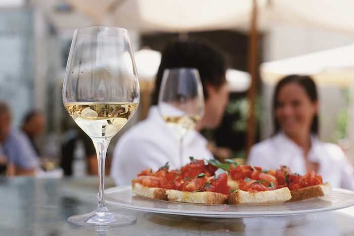 South Tyrolean white wine complements southern Italian tomato bruschetta perfectly!