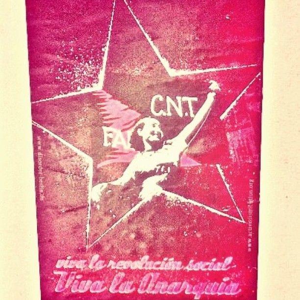 Viva la #anarquía! #streetart collection #sticker #katutaidetta #Helsinki #kallio #tarra
