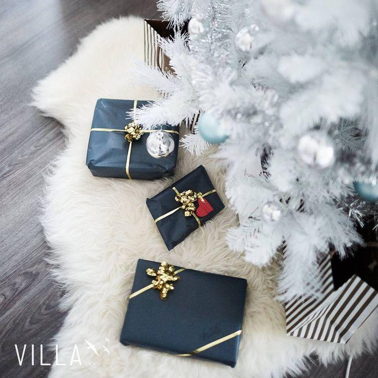Joko saa avata? 🌟 Hyvää joulua 🌟 Merry xmas 🌟 . . . #asuntounelmia_unelmaasuntoja (paikassa VILLA LKV)