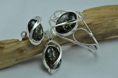 Modern design green amber jewellery set - bracelet,pendant,ring.