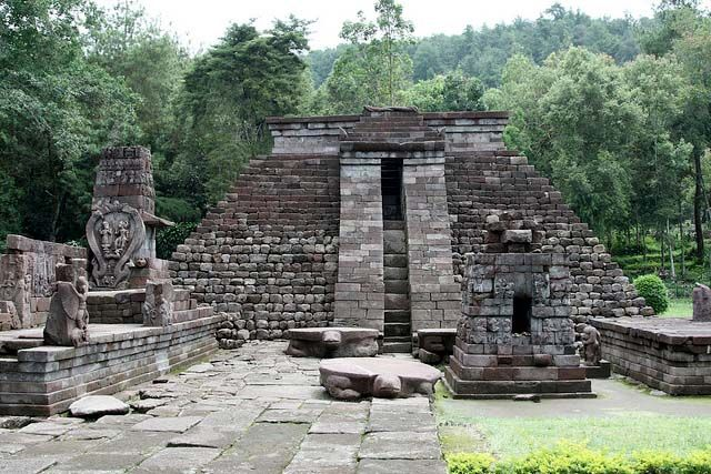temples Sukuh-shaped pyramid in Central Java 4