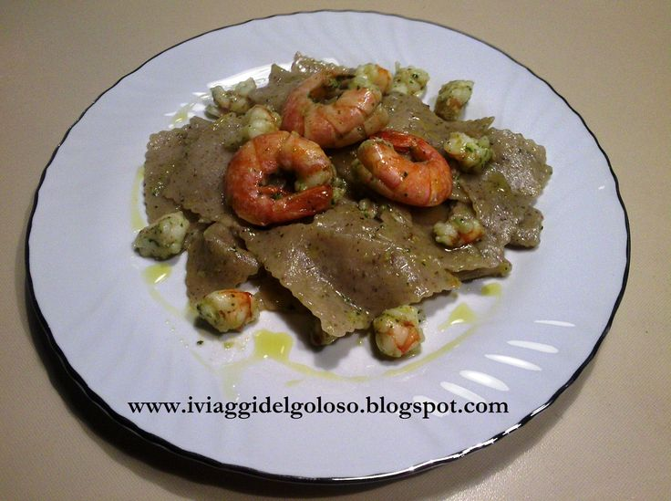 Tra le nostre ricette a base di pesce, vi sono questi straccetti di grano saraceno che si accompagnano divinamente ai gamberi ....