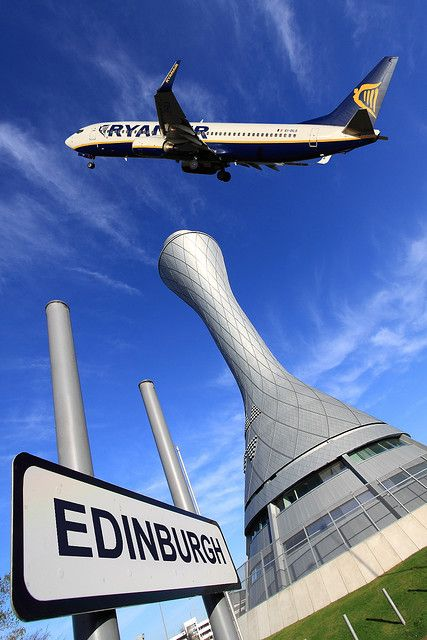 Air Traffic Control Tower, Ryanair Edinburgh Airport by John Gilchrist (from Flickr)