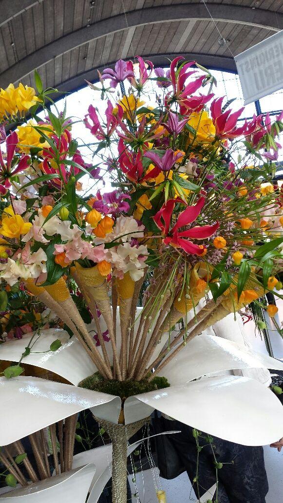 #Flower Arrangement #Winner Diny van Holtrop #FlowerArrangingChampionships 2014 www.barendsen.nl