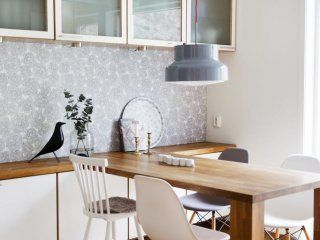 Kombinerad köksbord med förvaring | Göteborg
