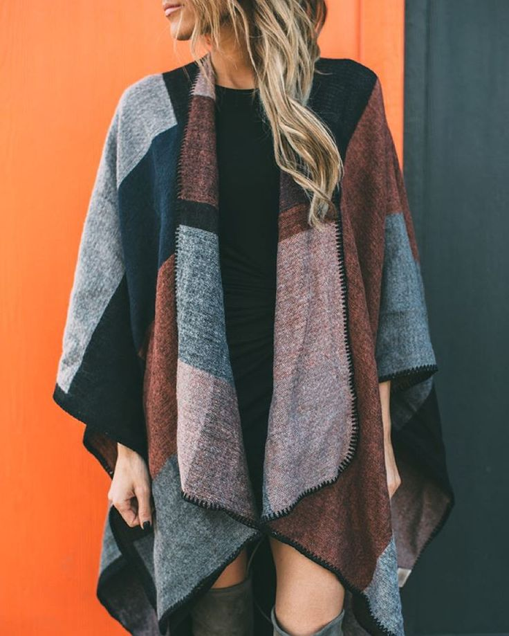 Hello Cape Season! Who doesn't love a good wrap. It's perfect for keeping warm on these cool mornings. Looks great over dresses and jeans! {Shop this Piece in Bio} #versatile