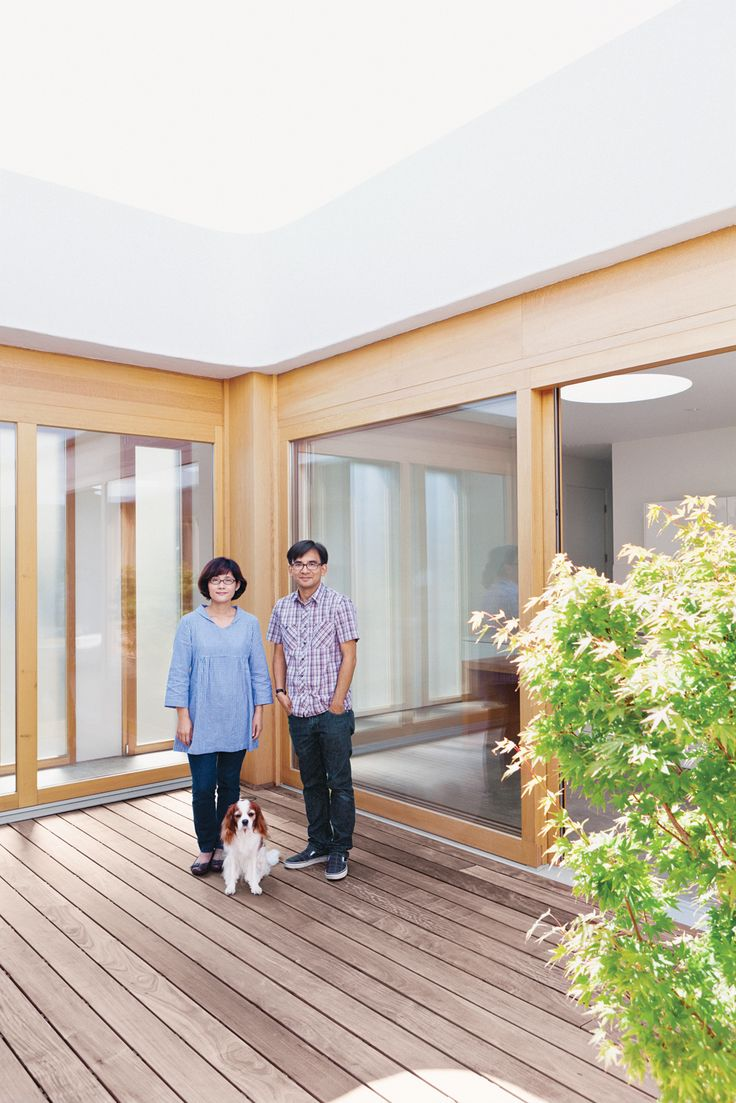 Trocal 76 entry door tiltturnwindows ca - Paul Shoko And Mei Hang Out On Their Ipe Deck In Marina Del Ray California Photo By Jessica Haye And Clark Hsiao