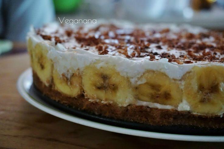 Fiquei com muita vontade de fazer esta torta desde que postei a receita do blog Barbarelismus ( veja a receita aqui ) Fiz algumas modificaç...