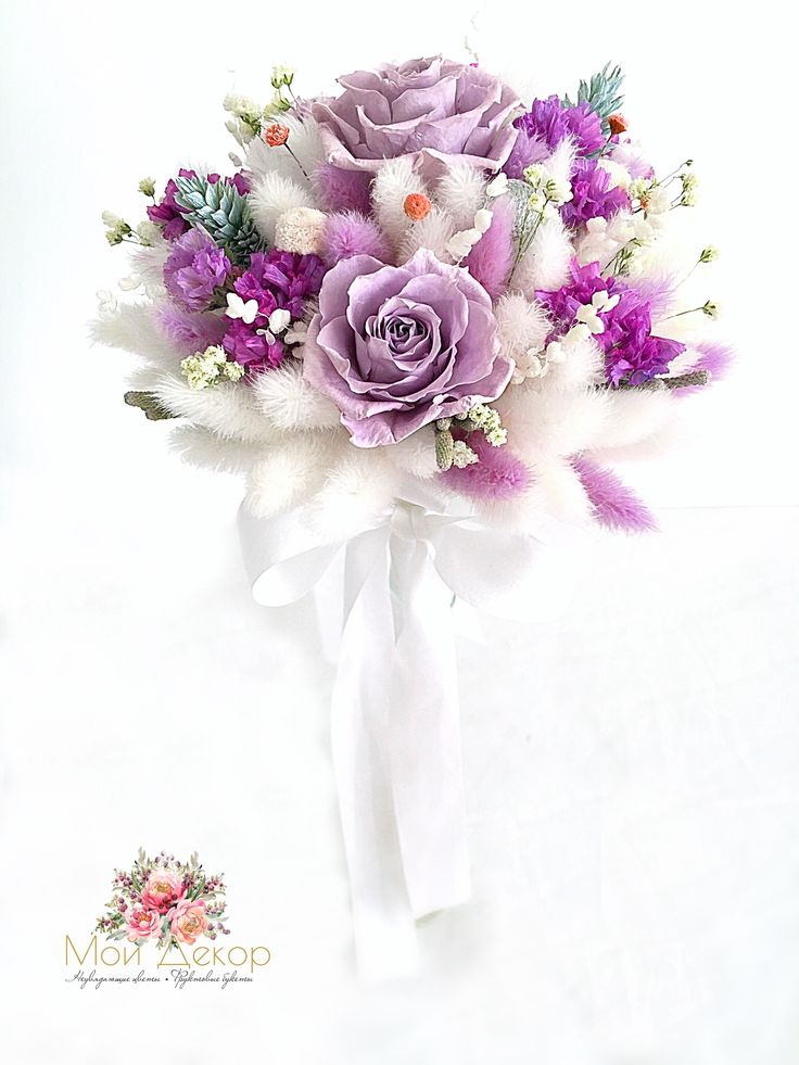 Нежный букетик с лагурусом, розами и шелковой лентой !!! 🌸🌹🌸🌿