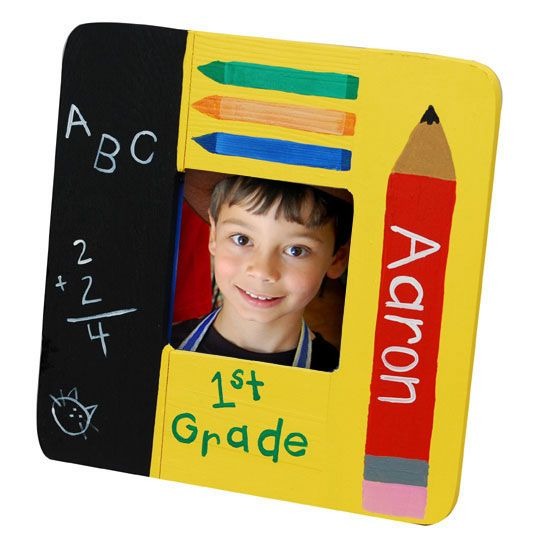 How cute is this? Get ready for school pictures with this do it yourself picture frame!