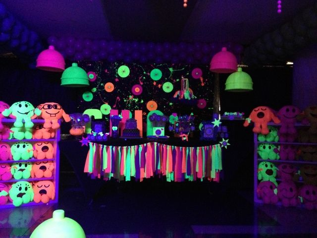 GLOW IN THE DARK PARTY Birthday Party Ideas | Photo 10 of 11 | Catch My Party