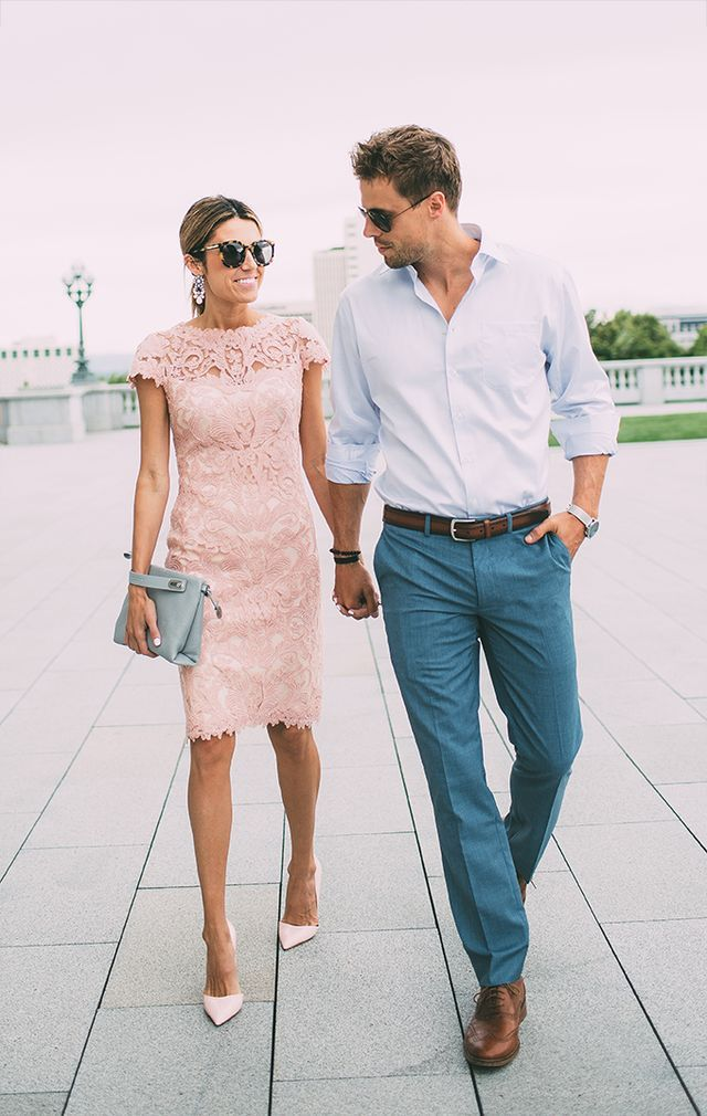 ピンクの大人っぽいデザインのワンピース。結婚式のお呼ばれが決まったら♡列席者のパーティードレスの参考一覧を集めました♡