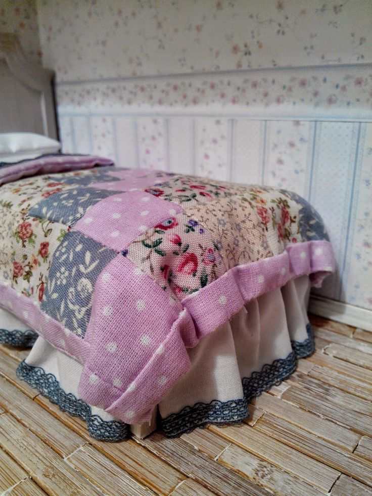 how to: miniature patchwork quilt