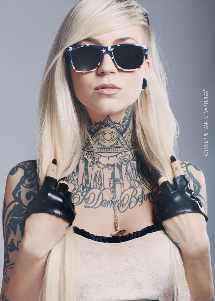 Somehow tattoos on women look better with sunglasses