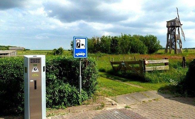 laadpaal Texel (c) David van der Mark Flickr