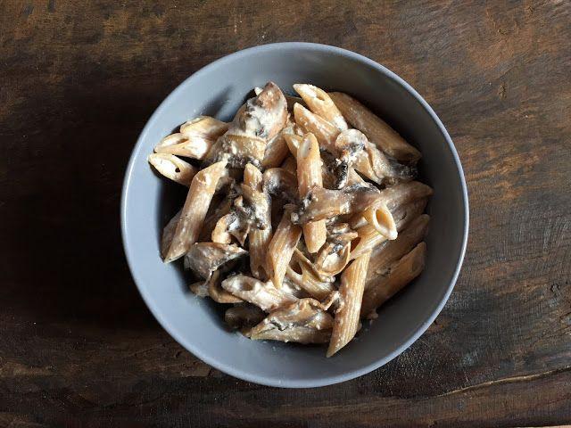 Pasta with Spiced Mushrooms and Greek Yogurt // Pasta con funghi speziati e yogurt greco