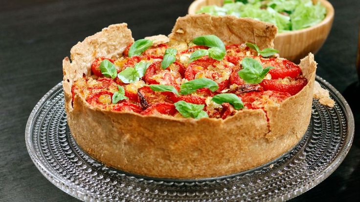 En lite annorlunda paj med mycket härligt smak av tomat.