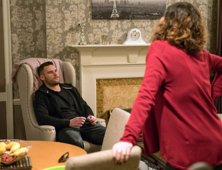 Aaron Dingle (Danny Miller) & Chas DIngle (Lucy Pargeter) (January 2017)