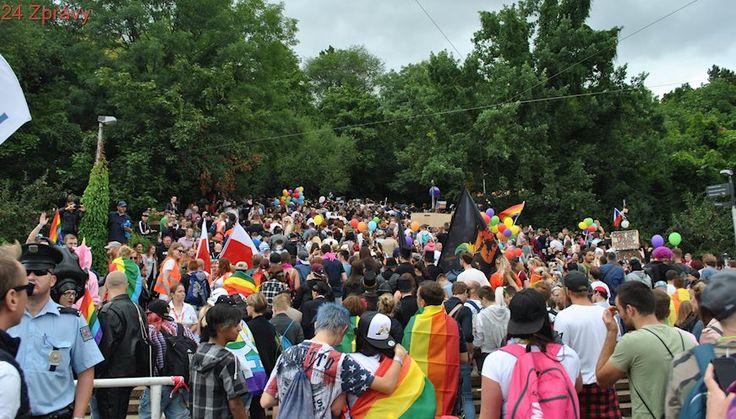 Ankara zakázala společenské akce gayům a lesbičkám, prý pro dobro obyvatel