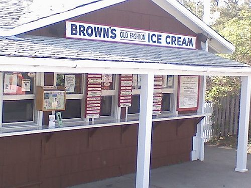 Brown's Ice Cream on the Nub, York Maine - best ice cream!!!!! YUM!