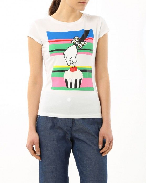 Pick that cupcake and pick up your favourite T-shirt by Iceberg