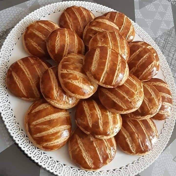 Pin By N A C E R A ɐɹǝɔɐu On موسوعة الطبخ Food Galette Pretzel Bites