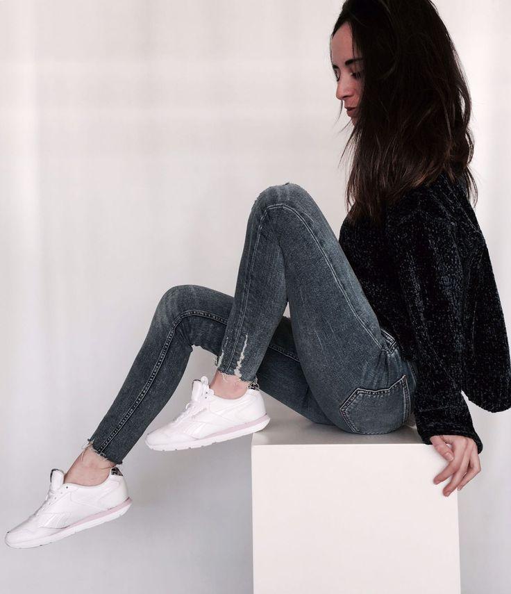Apúntate de nuevo a la moda ochentera con las nuevas #deportivas Reebok blancas.