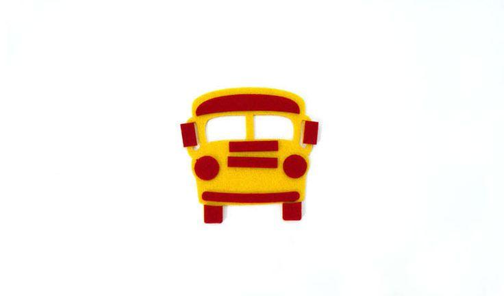 Λεωφορείο μικρό από τσόχα σε κίτρινο - κόκκινο για να δημιουργήσετε μπομπονιέρες βάπτισης ή οτιδήποτε έχετε φανταστεί.