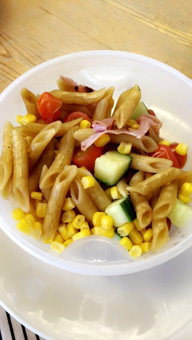 Boiled my pasta in a beef stock to make delicious flavoursome pasta salad for lunch at work! #SlimmingWorld #SynFree