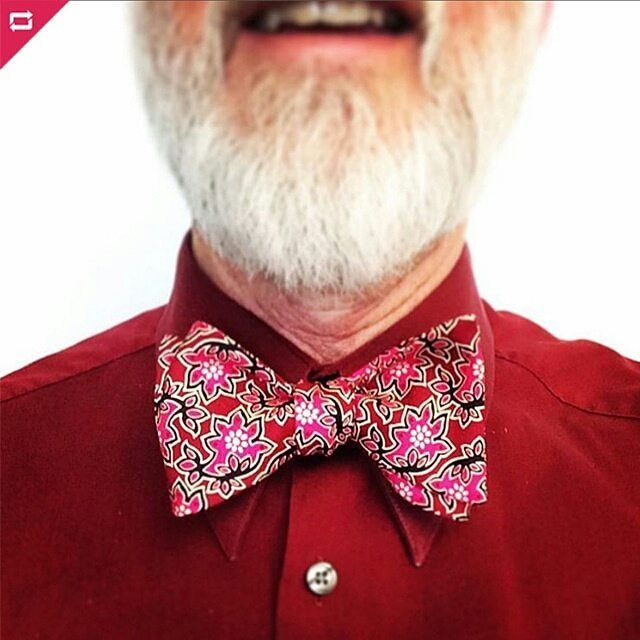 @harrisjeff  A tone on tone pairing makes your outfit instantly more pull together. Our red Borneo silk bow tie does not disappoint!  Www.bowtieclub.com (Borneo) . . . . . . . . . . . . . . .  #bowtie #bowties #thebowtieclub #handmade #bowtiethursday #beardgang #bowtiegame #blue #styleblog #fashionblogger #dapper #mensfashion #mensfasionpost #formal #giftsforhim #bowtiewednesday #mensfashiontips #menstyle #beard #bowtiefriday #bowtiesarecool #2017 #bespoke #bowtiefashion #bowtietuesday…
