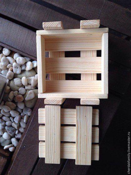 Купить или заказать Ящики деревянные с крышкой в интернет-магазине на Ярмарке Мастеров. Деревянные ящики,деревянные коробки с крышками. Подойдут для упаковки ваших работ, подарков; для интерьера; оформления и т.д. Сделаны из рейки, толщиной 1 см Дно может быть фанерное Варианты цвета, размера и дизайна…