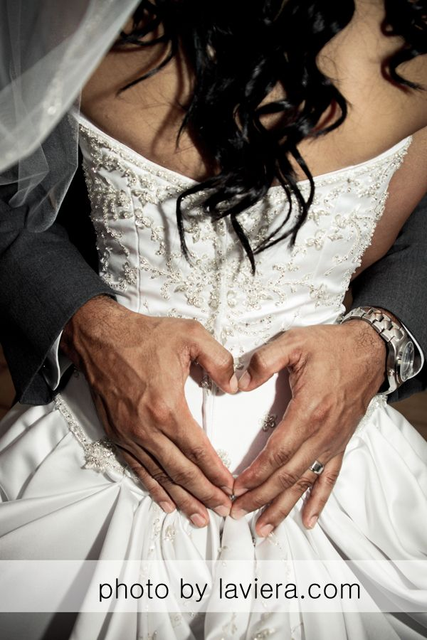 Bride and Groom photo and #wedding #poses  #ideas by CT Wedding Photographer www.laviera.com