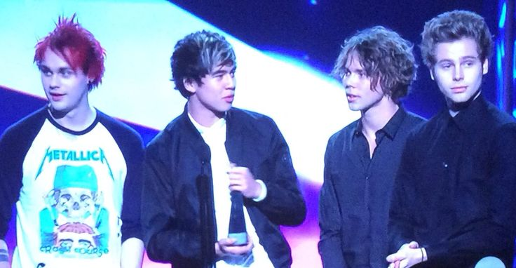 5SOS WINS THE SONG OF THE YEAR FOR THE ARIAS