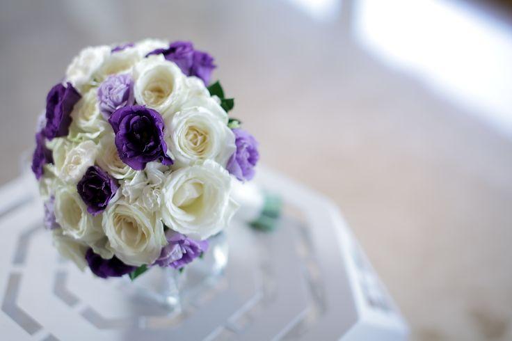 White Rose with purple hued Lisianthus bouquet by Tirtha Bridal Uluwatu Bali