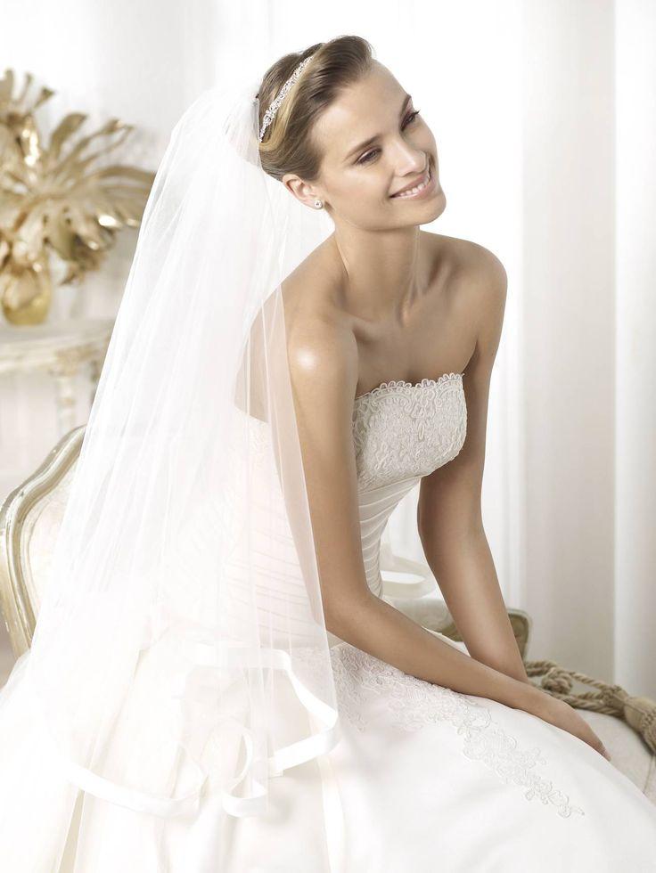 78 besten Esküvői ruha Bilder auf Pinterest   Hochzeitskleider ...