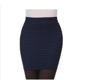 Krátká moderní dámská sukně tmavě modrá – dámské sukně Na tento produkt se vztahuje nejen zajímavá sleva, ale také poštovné zdarma! Využij této výhodné nabídky a ušetři na poštovném, stejně jako to udělalo již velké …