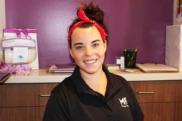 """#featurefriday Employee Feature: Meet Krystal, our #FrontDesk #Sales #Associate at our #Kaneohe #MassageEnvy #Hawaii location. #spa  Krystal best vacation she has been on is a tie between Hawaii and Bermuda. She says of working at Massage Envy, """"we have [the best] owners, the girls are fun to work with, making lasting impressions on clients, and the free candy up front. Oh, and getting to wear leggings everyday."""""""