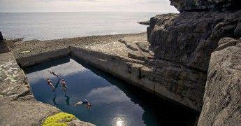 Le Serpent's Lair - Fáilte Ireland, Tourism Ireland - Tous droits réservés