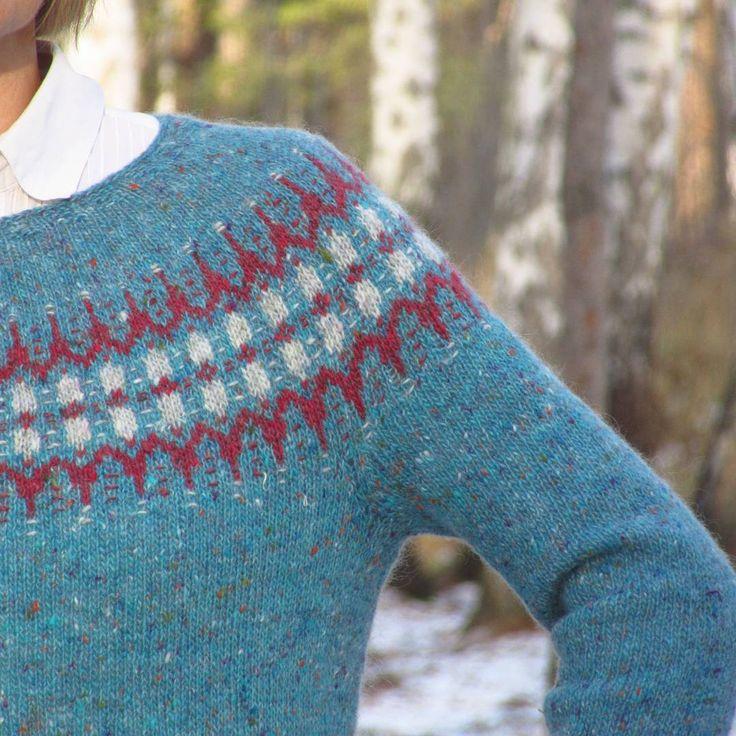 Доброе воскресное!  Подборка для любителей крупных планов. Последнее фото - спираль до стирки, а после . В общем, косина твид-мохера меня больше не страшит  .  .  .  12.11.2017    #BTFall2017 #knitting #VoePullover #knitting_inspiration #knitstagram #strandedknitting #handknit #knitsweater #strikking #strikk   #вязание #жаккард #жаккардспицами #tweedmohair #knollyarns