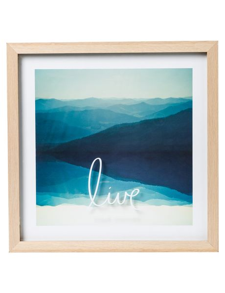 This coastal-themed framed art has a relaxed, yet inspirational feel to it.
