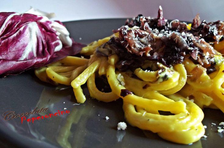 Tonnarelli al radicchio in salsa gorgonzola