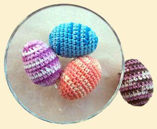free #crochet pattern - crochet easter eggs