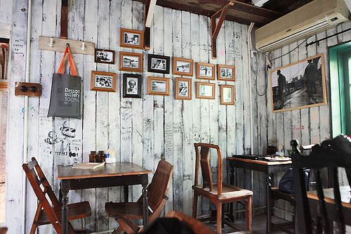 17 Best Ideas About Rustic Coffee Shop On Pinterest