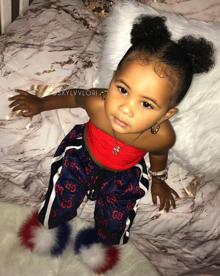 Visage de repos pour bébé G #GucciGang SHOP the LOOK❗️- Boucle d'oreille