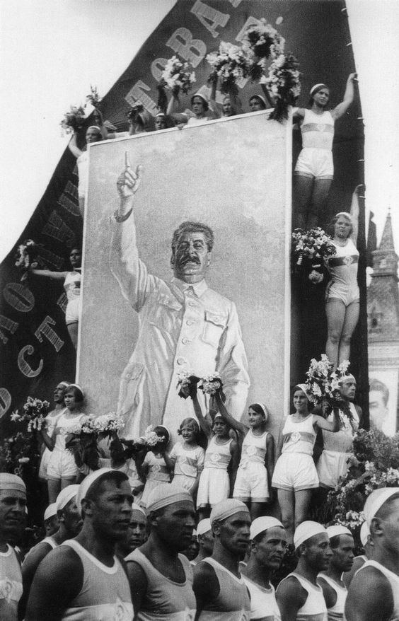 GREAT STALIN - SOVIET UNION,Moscow. The best friend of athletes. 1935. Photo by I. Shagin.