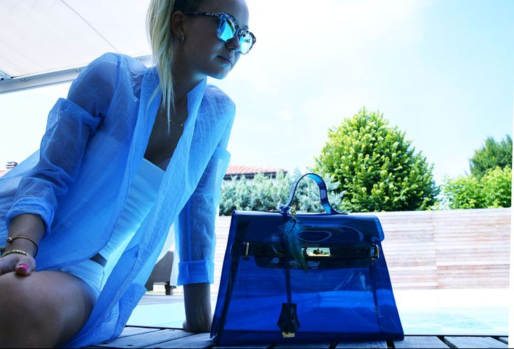 Lock Bag Blu  Look here: http://www.wyandotte.it/progetto-wy-otte/   #bag #fashion #pvc #glamour #outfit #trend #beauty #wyandotte