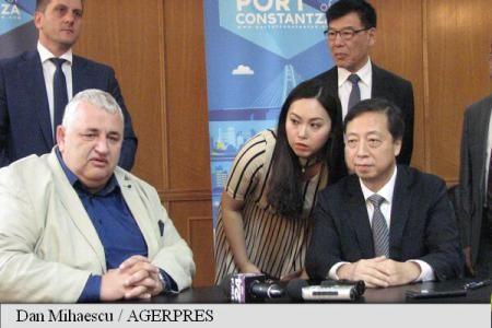 Directorul general al Companiei Naționale Administrația Porturilor Maritime (CNAPM) Constanța, Dan Nicolae Tivilichi, a ratificat miercuri, în sala de conferințe a Gării Maritime, protocolul de colaborare instituțională cu portul Ningbo Zhoushan, considerat cel de-al patrulea mega-port al Chinei și situat pe locul șase mondial în Top 10, în traficul de containere.