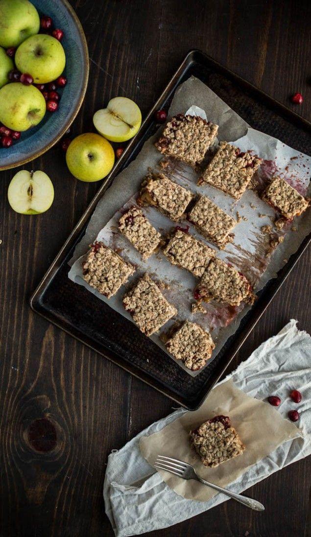 Apple Cranberry Crumble Bars