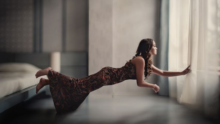 Women, Natural Lighting & Dresses  - http://www.fullhdwpp.com/people-2/women-natural-lighting-dresses/