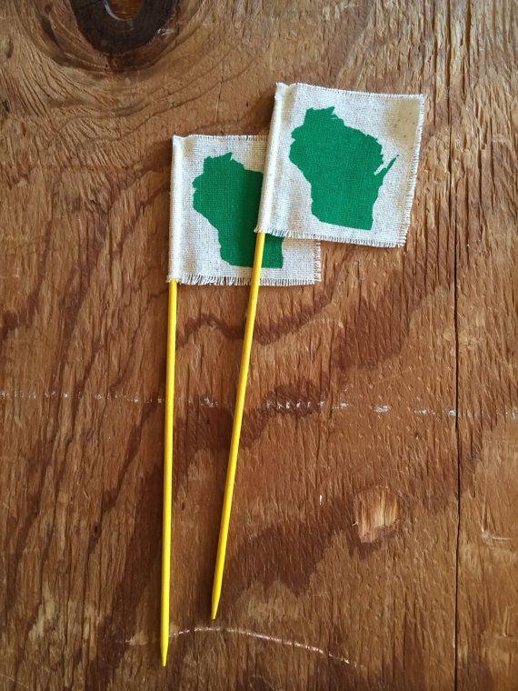 Wisconsin Flag / hostess gift, home decor, Christmas, Holiday